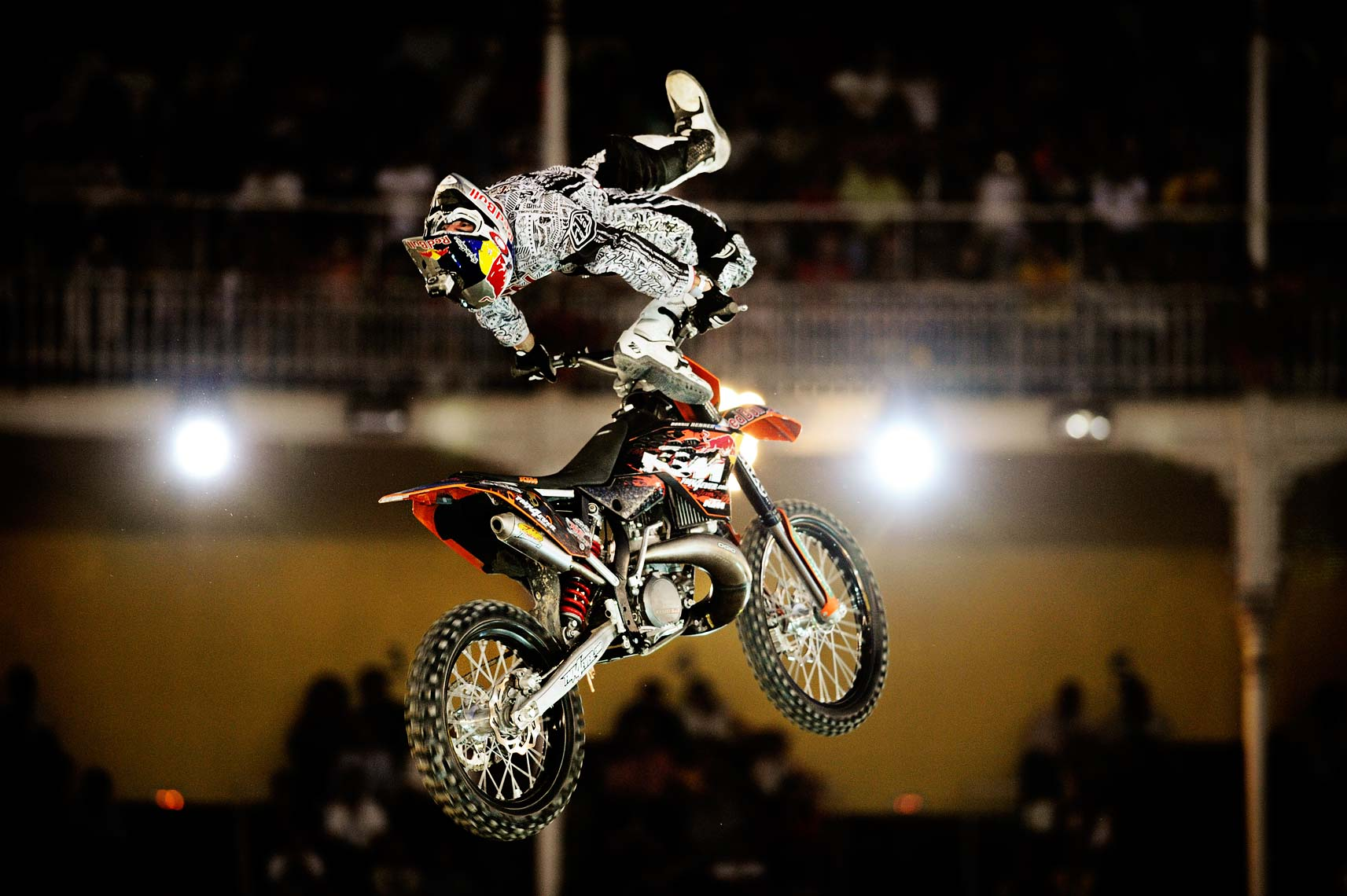 RD_180708_XFIGHTERS_MADRID_1272_ESH.jpg